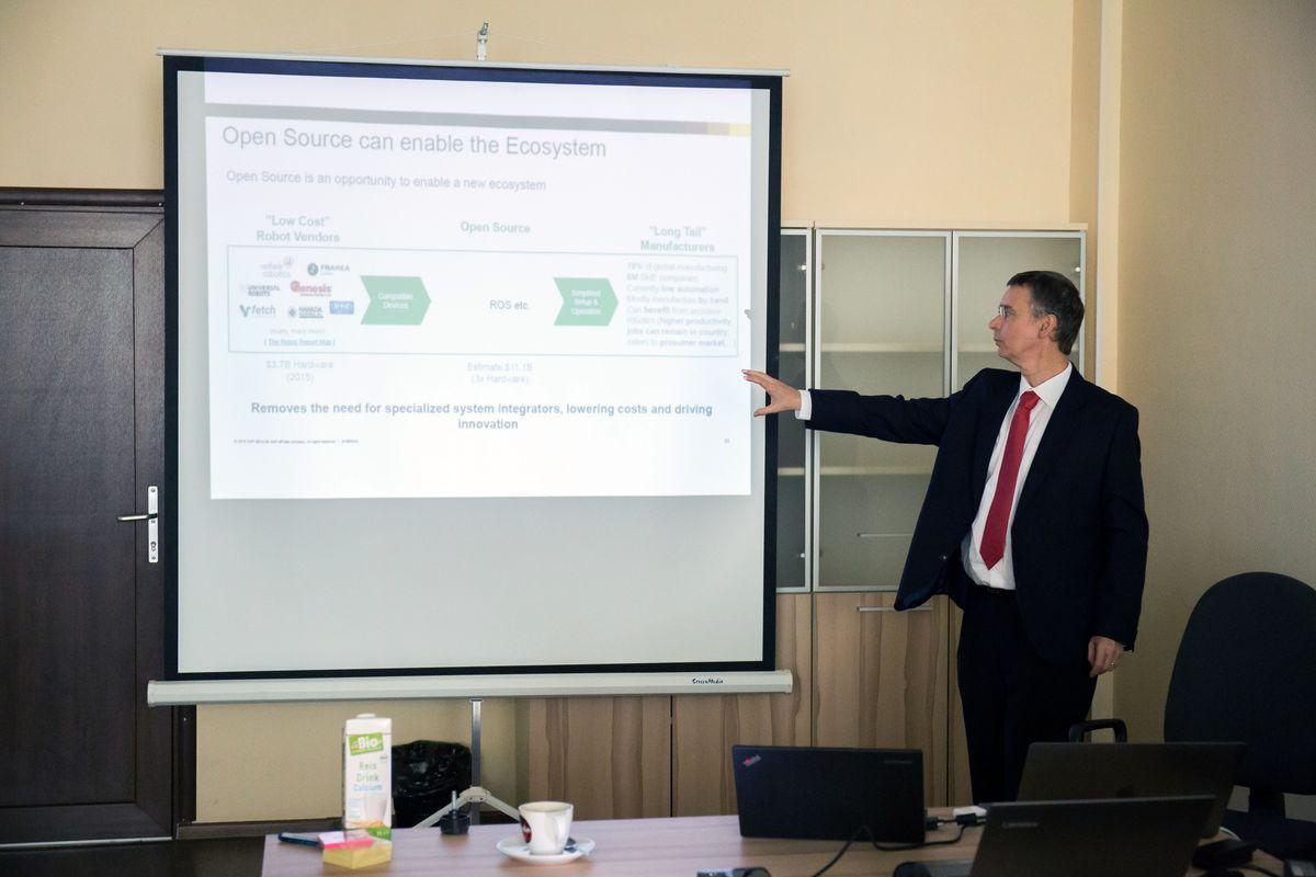 Вице-президент компании SAP д-р Альбрехт Риккен провел цикл лекций для студентов ИППТ и ИПМЭиТ