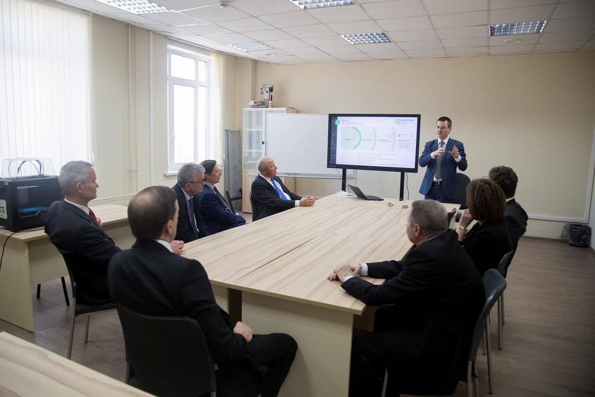 Представительная делегация Баварии (Германия) посетила ИППТ СПбПУ и Центр НТИ СПбПУ