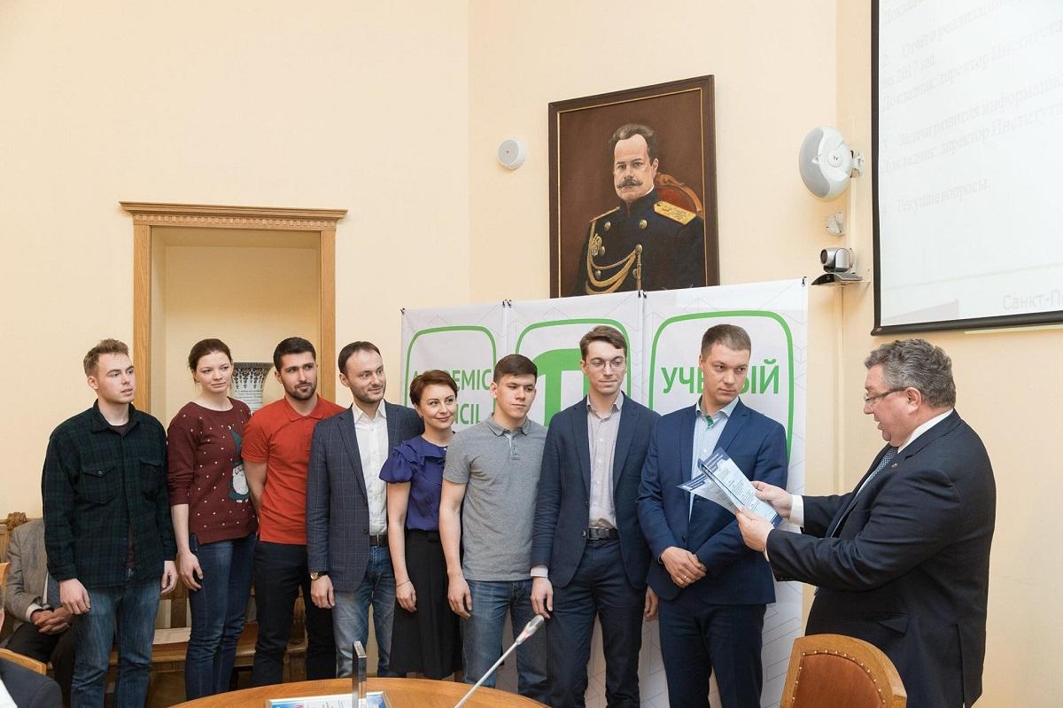 Ректор СПбПУ А.И. Рудской наградил Инженерный Спецназ ИППТ за выдающиеся достижения на ПТЯ-2017