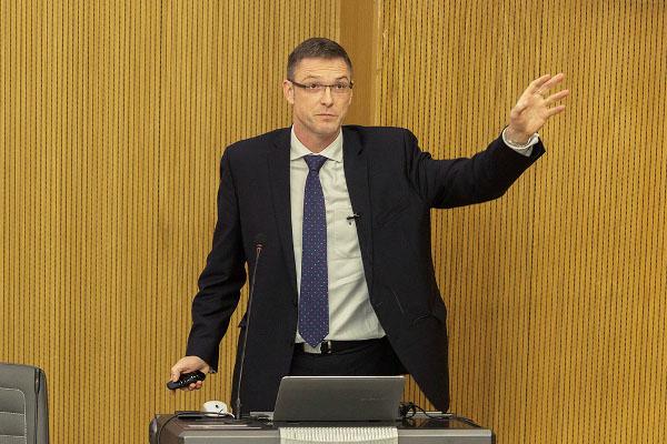 В ИППТ СПбПУ состоялись открытые лекции профессора Франка Хеннинга