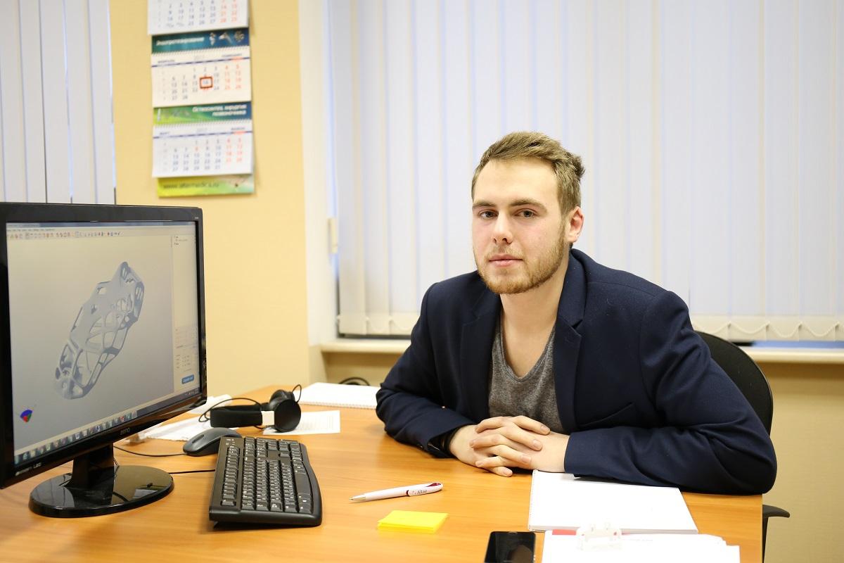 Студент 1-го курса магистратуры ИППТ, сотрудник Инжинирингового центра  СПбПУ  Борис Соколов вышел в финал конкурса  Design for Additive Manufacturing Challenge.