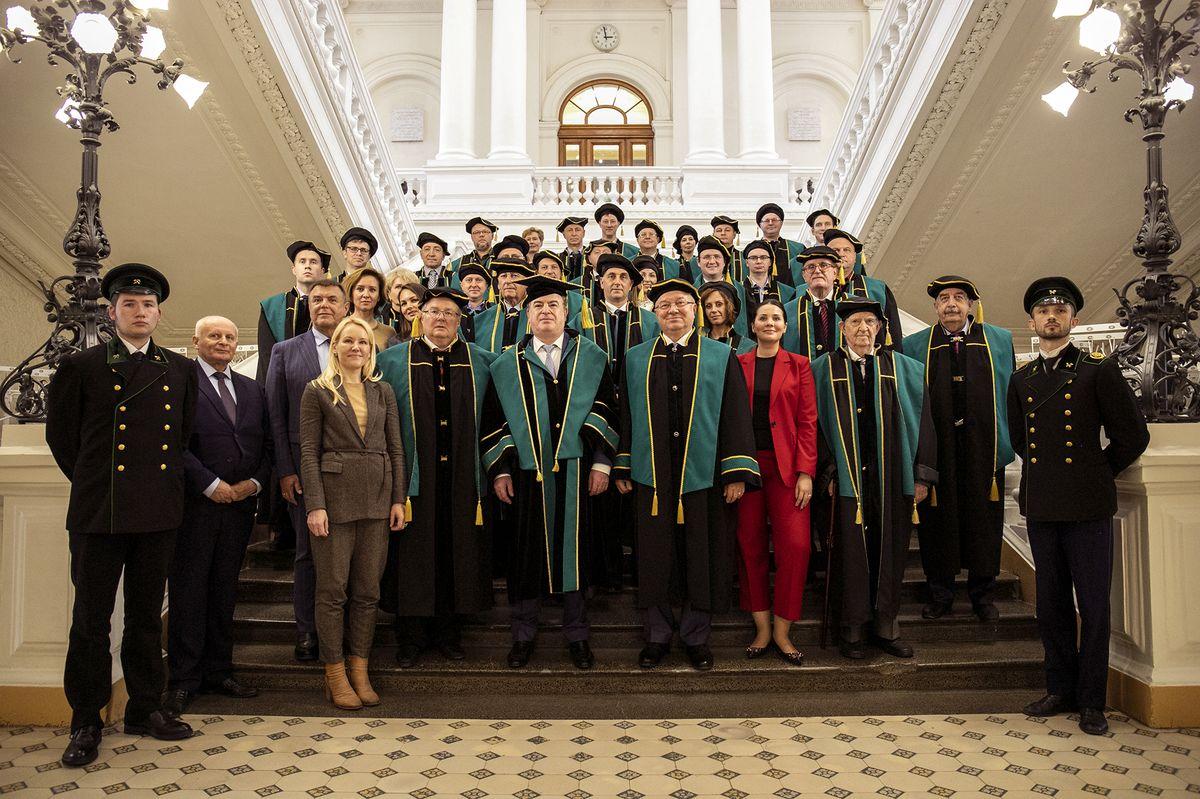 Первый заместитель генерального директора по операционному управлению Госкорпорации «Росатом» Александр Локшин стал Почетным доктором СПбПУ