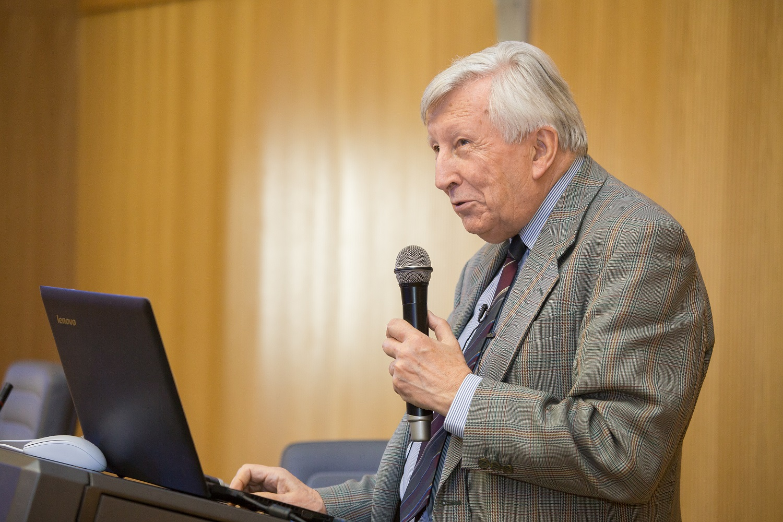 Профессор материаловедения Саутгемптонского университета (Великобритания) Теренс Лэнгдон